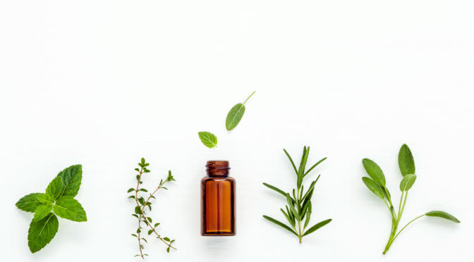 Essential Oils and Pregnancy: Which ones are safe, How to use them and Which ones to Avoid